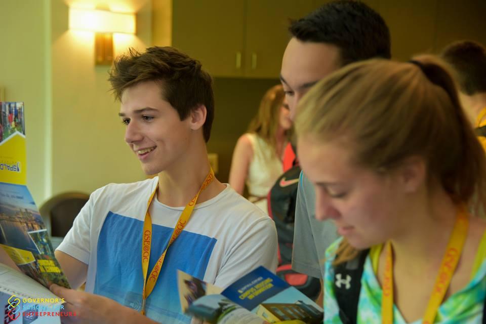 Young entrepreneurs develop a business plan