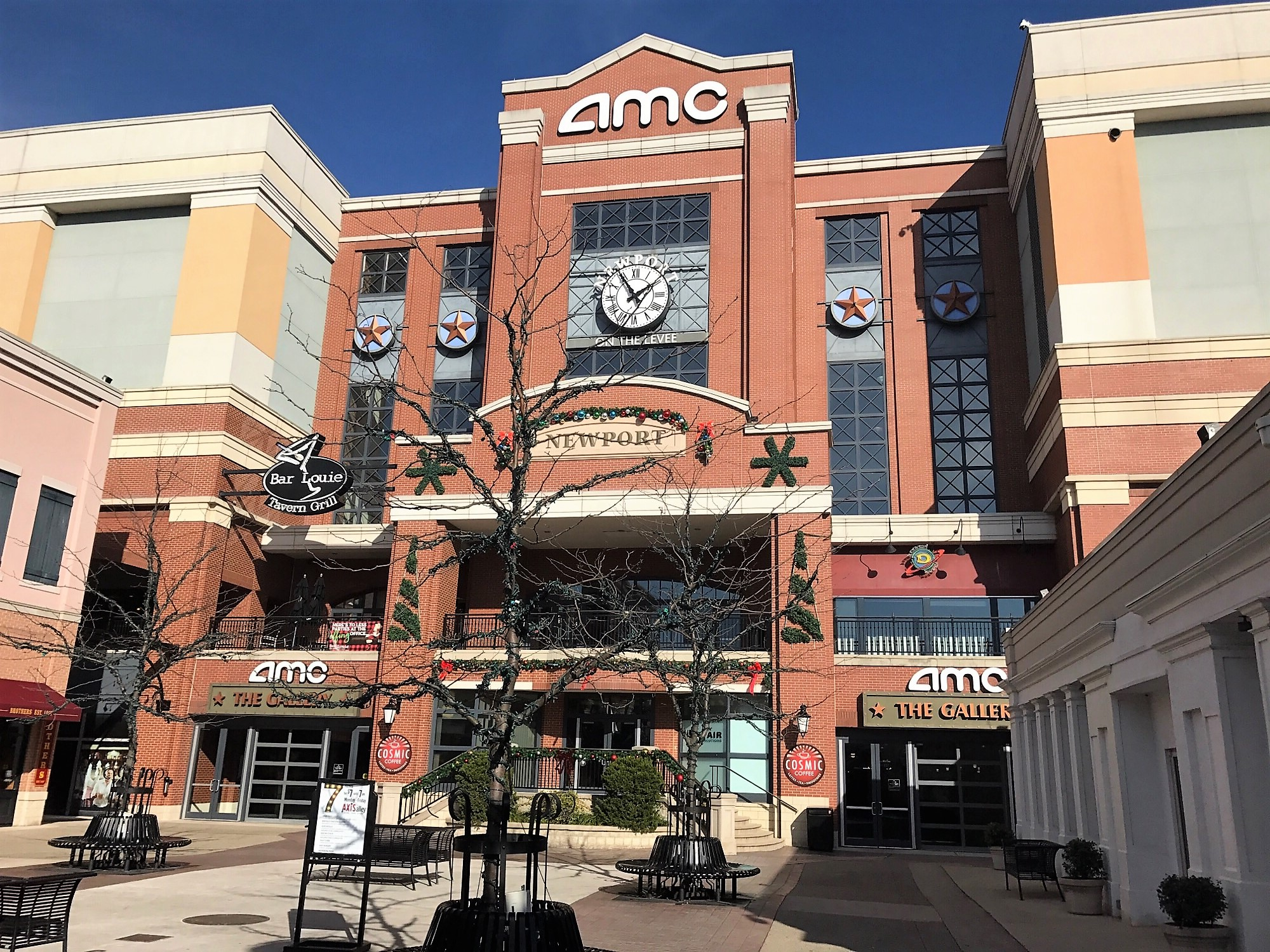 Amc Newport On The Levee 20 May Look Same Outside But A Whole New Moviegoing Experience Awaits Inside Photos By Mark Hansel