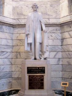 Jefferson Davis statue in the Kentucky capitol (Photo from Ky.gov)