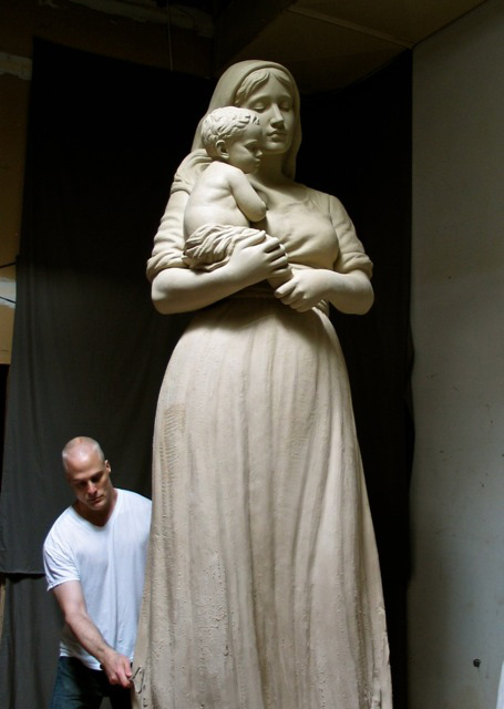 statue-mary