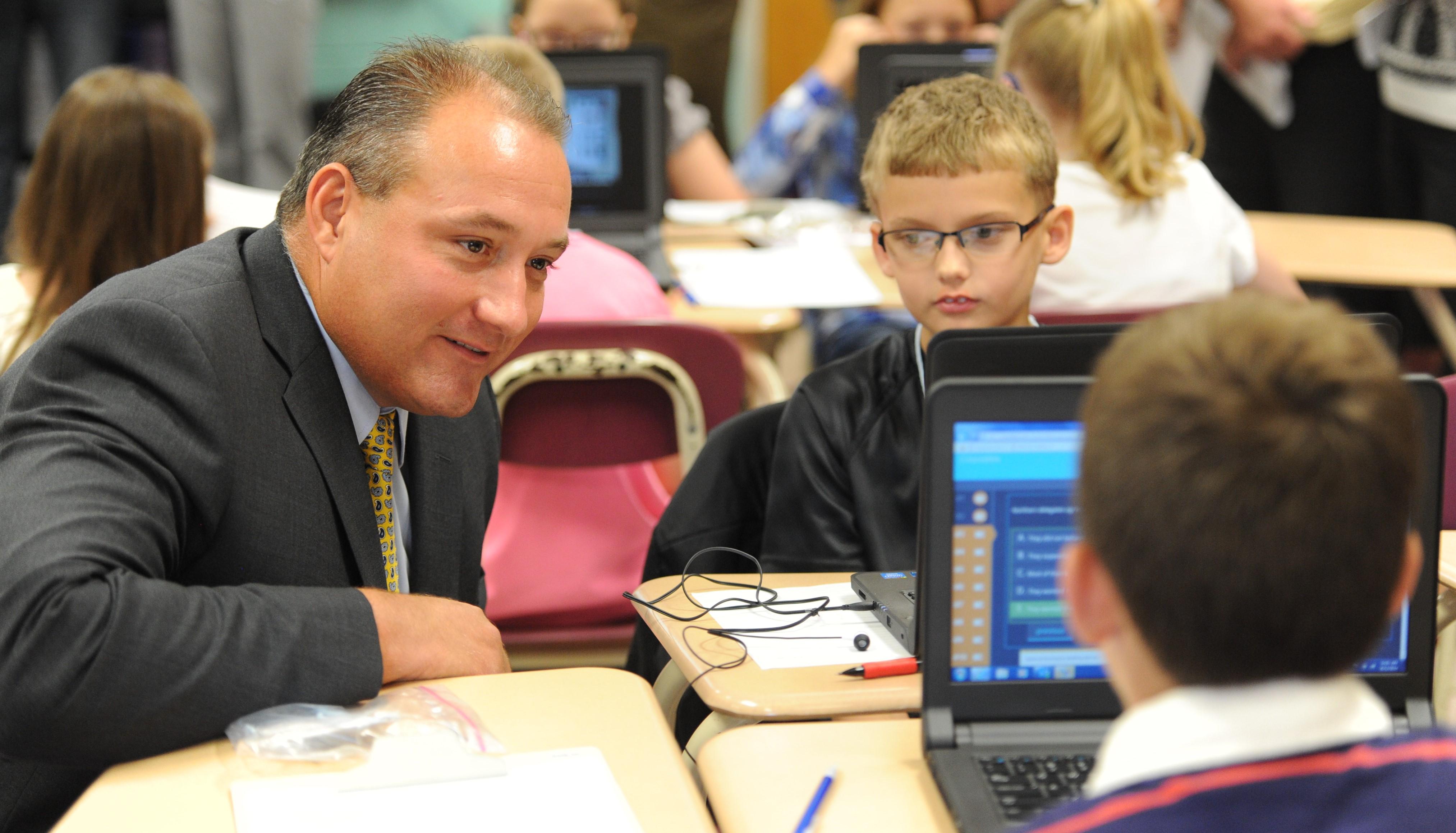 Floyd County's Webb chosen as superintendent of Kenton ...