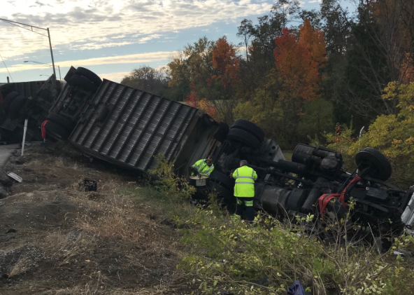 Boone County Sheriff at scene of tractor-trailer accident at I-275